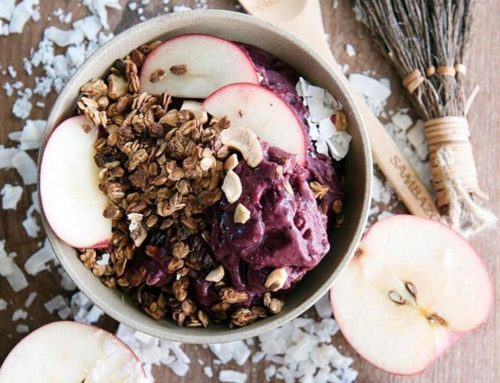 Apple and Cinnamon Açaí bowl